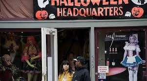 Halloween Express San Diego by Here U0027s How Those Halloween Pop Up Stores Work