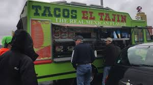 Taco Truck Sets Up Shop During Massive Seattle Traffic Jam