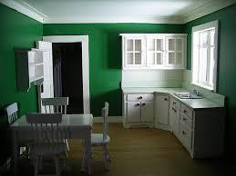 Fantastic Arrangement For Inspiring Green Wall Kitchen Decorating