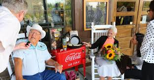 Gallery of Vero Beach Florida Cracker Barrel Stock s Inspirations Front Porch Employees Old Country Store Chain Southern Dt