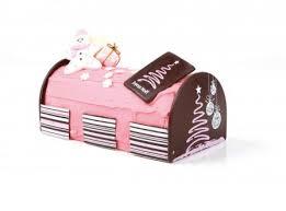 decorer une buche de noel noël décoration de gâteau à faire soi même avec emporte pièce de