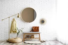 badgestaltung eine backsteinwand als originelle idee sanswiss