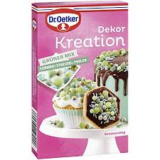 dr oetker dekor kreation grüner mix 60 g dekoration aus zuckerstreuseln formen und perlen in grüntönen die wie backzubehör beim backen und für