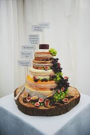 7 Amazing Rustic Wooden Wedding Cake Stand 1