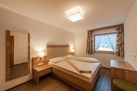 haus larinmos ferienwohnung appartement in lermoos