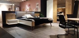 massivholz schlafzimmer feel mit kommode und standspiegel