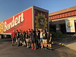 100 Central Refrigerated Trucks Borden Delivers Truck With 45000 Milk Servings For Hurricane