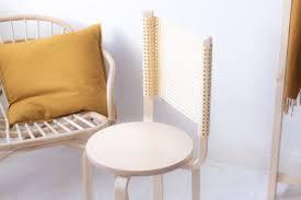 ikea diy mit geflecht so wird aus zwei hockern ein stuhl