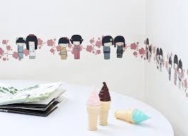 frise autocollante chambre bébé frise adhésive kokheshis prune décoration chambre fille déco