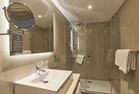 badezimmer hotel portobay marquês in lissabon al ex