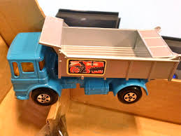Nostalgipalatset - MATCHBOX Big MX - Coal Hopper & Tipper Truck 1972 Mack Granite Dump Truck Also Heavy Duty Garden Cart Tipper As Well Trucks For Sale In Iowa Ford F700 Ox Bodies Mattel Matchbox Large Scale Recycling Belk Refuse 1979 Cars Wiki Fandom Powered By Wikia Superkings K133 Iveco Bfi Youtube Hot Toys For The Holiday Season Houston Chronicle Lesney 16 Scammel Snow Plough 1960s Made In Garbage Kids Toy Gift Fast Shipping New Cheap Green Find Deals On Line At Amazoncom Real Talking Stinky Mini Toys No 14 Tippax Collector Trash