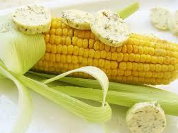 cuisiner des epis de mais épis de maïs doux cuits au four beurre demi sel au fenouil et à l