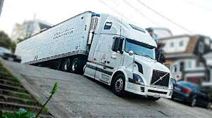 Amazing Trucks Driving Skills - Awesome Semi Trucks Drivers ...