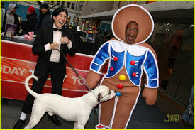 Nbc Matt Lauer Halloween by Gingerbread Man Al Roker Gets Sniffed Out Photo 1522481 Al