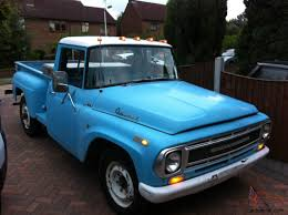 100 Stepside Trucks 1968 INTERNATIONAL HARVESTER STEPSIDE TRUCK