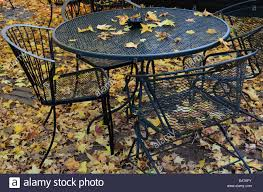 100 Black Wrought Iron Chairs Outdoor Stock Photos Stock Images Alamy