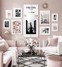 schwarz weiße poster blumen rosa einrichtung goldrahmen