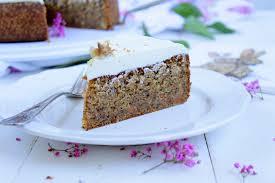 carrot cake möhrenkuchen möhrenkuchen mit mascarpone