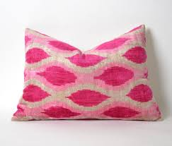 Decorative Couch Pillow Covers by Best 25 Pink Velvet Pillow Ideas On Pinterest Velvet Pillows