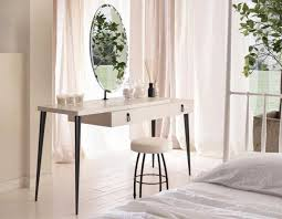 White Makeup Desk With Lights by Bedrooms White Makeup Vanity With Lights Modern Makeup Table