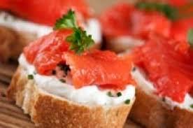 canapés saumon fumé canapé de saumon fumé sur baguette recettes du québec