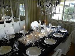 table de noël déco baroque en noir et blanc