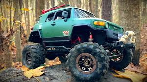 Custom Axial SCX10 With New Bright Toyota FJ Cruiser Body - YouTube