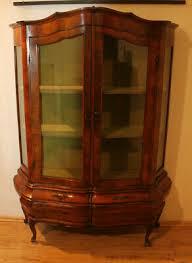 vitrine bauchvitrine glasvitrine wohnzimmer sammlervitrine