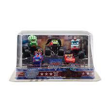 Disney Deluxe Monster Truck Mater Figure Set -- 5-Pc.: Amazon.co.uk ...