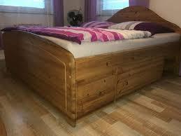 komplettes schlafzimmer massivholz bett kommode schrank kiefer