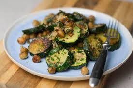 schnelle zucchini pfanne vegan gf low carb in 15