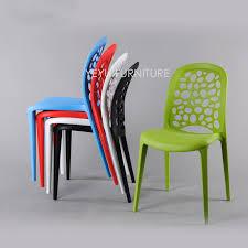 moderne design beliebte mode kunststoff stapelbar esszimmer stuhl bunte stapel café stuhl klassische design loft heiße freizeit stuhl