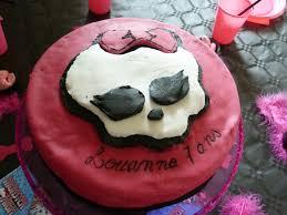 gâteau high décor en pâte à sucre anniversaire enfant