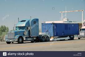 100 Valley Truck And Trailer Parked Stock Photos Parked