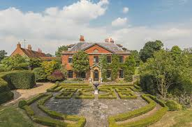 100 Hurst House This 12bedroom Country For Sale In Berkshire Was Built By