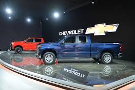 100 Chevy Trucks For Sale In Indiana Chevrolet To Sell Redesigned 2019 Silverado Alongside Outgoing Model