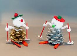 Pine Cone Christmas Tree Ornaments Crafts by Best 25 Pine Cone Crafts For Kids Ideas On Pinterest Kids