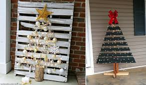 Turn A Wood Pallet Into Christmas Tree