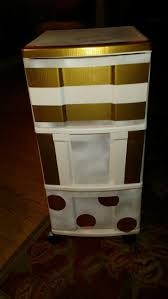 Plastic Drawers On Wheels by Best 25 Plastic Drawer Makeover Ideas On Pinterest Decorating