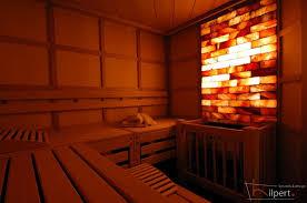sauna japanischer stil mit salzsteinen
