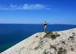 Traveling Handstands October 2014 by 16 Realities Of Being A Gymnast In The Summer The Gymternet