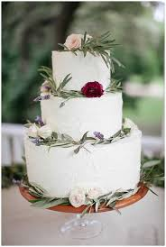 Winter Wedding Cakes Our Favorite Weddings Ideas From Evermine