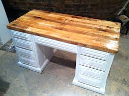 Wood Top Desks Pallet Wood Desk Top Great Project For A Reclaimed
