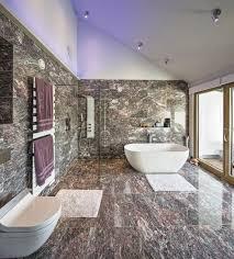 luxus badezimmer mit marmor fliesen inneneinrichtung