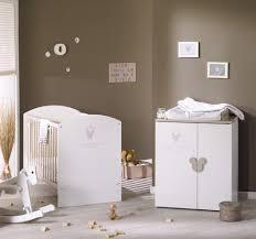 chambre bébé disney chambre bb disney suspension boule papier devient montgolfire