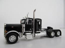 Dcp 1/64 Scale 379 Peterbilt Small Bunk (day Cab Opt)black W Chrome ...