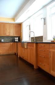 Kitchen Paint Colors With Light Cherry Cabinets by Kitchen Color Schemes With Cherry Cabinets What Floor Ideas Dark