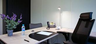 bureau à louer à bureaux équipés à louer à neuilly solution immobilière longue