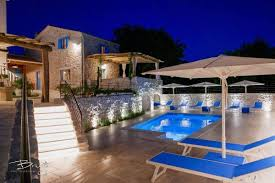100 Rustic Villas Beautiful Property With 2 Rustic Villas And A Studio Apartment House