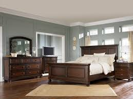 Classic Bedroom Design with Porter 5 Piece Bedroom Furniture Set